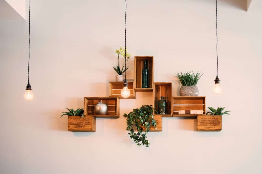 Eco-friendly decorative wooden shelf