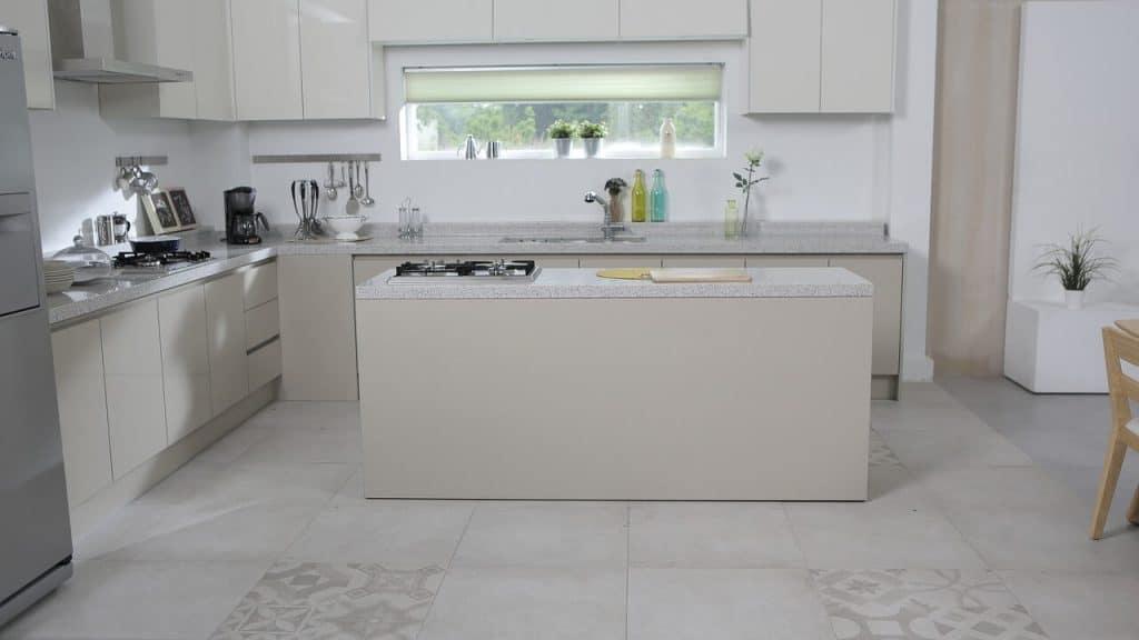 Ceramic tiles in the kitchen floor